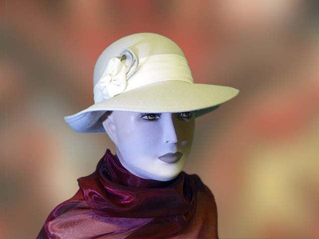 82db8c4f46 Fehér, női kalap, nyúlszőr - Férfi kalap női kalap sapka